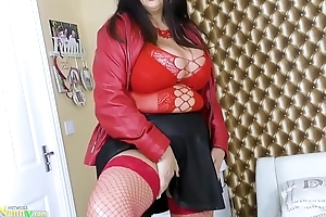 OldNannY Big Curves and Huge Boobs for Mature Lulu
