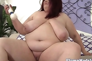 Solo BBW babe pleases her cunt with sextoys