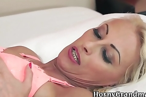 Grown-up woman creampied