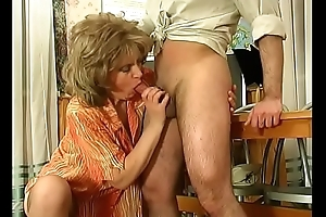 Russian mature teacher wife cheats with her student in classroom (2)