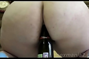 [ sexmania2.com] Mature lonely masturbates with a bottle of pussy and ass