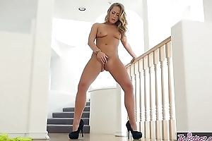 Twistys - Lean Back - Carter Cruise