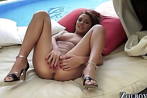 Teens cunt squirts piss