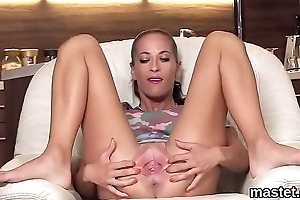 Wacky czech sweetie spreads her narrow hole to rub-down the peculiar