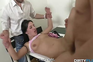 Boyfriend tells his hot babe to let a stud fuck her