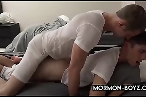 Straight Guy Fucks His Roommate And Cums In His Mouth - MORMON-BOYZ.COM