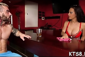Smooth tranny'_s a-hole gets rammed